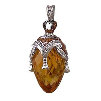 Bijoux russes y compris l'ambre